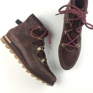 NEW Sorel Sneakchic Alpine Boots RARE
